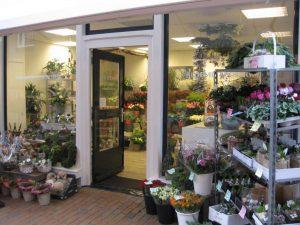 Voorkant winkel bloemist dokkum